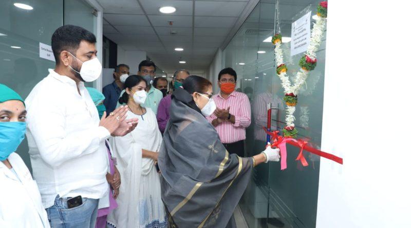 वायसीएम रुग्णालयामध्ये आरटीपीसीआर स्वॅब टेस्टींग लॅब चे महापौर उषा उर्फ माई ढोरे यांच्याहस्ते उद्घाटन